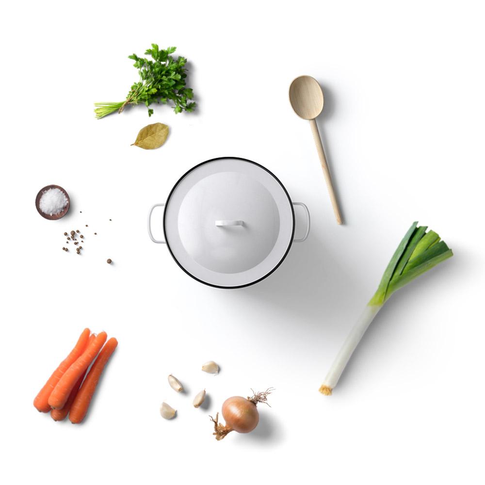 Feinkost Brühe Karotten Lauchzwiebeln